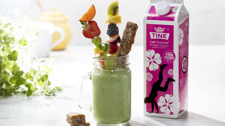 Milkshake med avokado, spinat og ananas