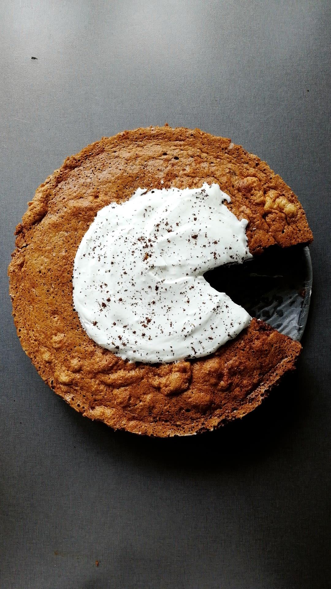 Magisk trelags kake med sjokolade og kaffe