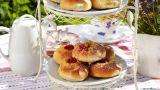 Smørboller med vanilje og bær