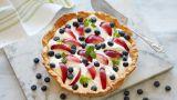 Dessertpai med nektarin og blåbær