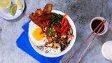 Egg- og bacon-bibimbap