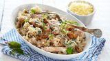 Pasta med kylling, nøtter og ruccola
