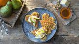 Havrevafler med Camembert og pære