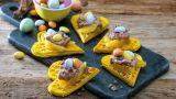 Gule vafler med sjokoladekrem og appelsin