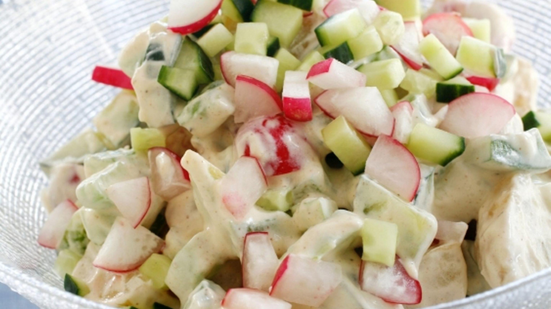 Kremet potetsalat med reddiker