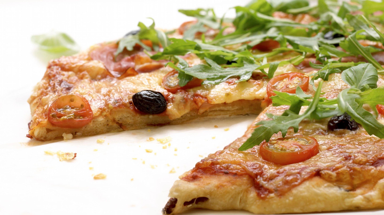 Hjemmelaget grov pizzabunn