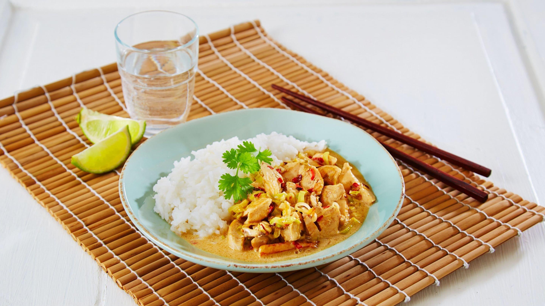 Thailandsk kyllinggryte - Tom Kah Gai