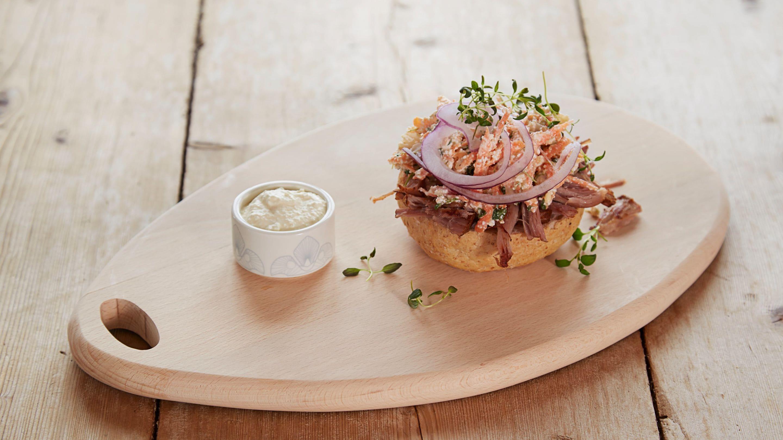 Pulled pork med skjørostsalat