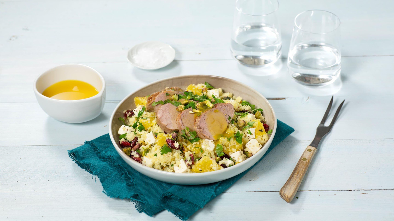 Svinefilet med appelsinsaus og couscous-salat