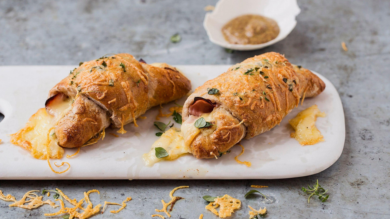 Grove horn med ost og skinke