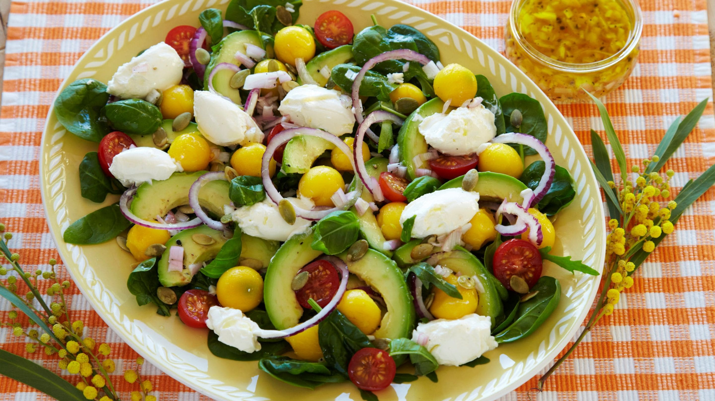 Salat med mango, avocado og snøfrisk