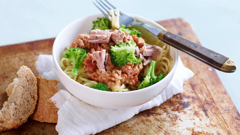 Rask pasta med tunfisk og brokkoli