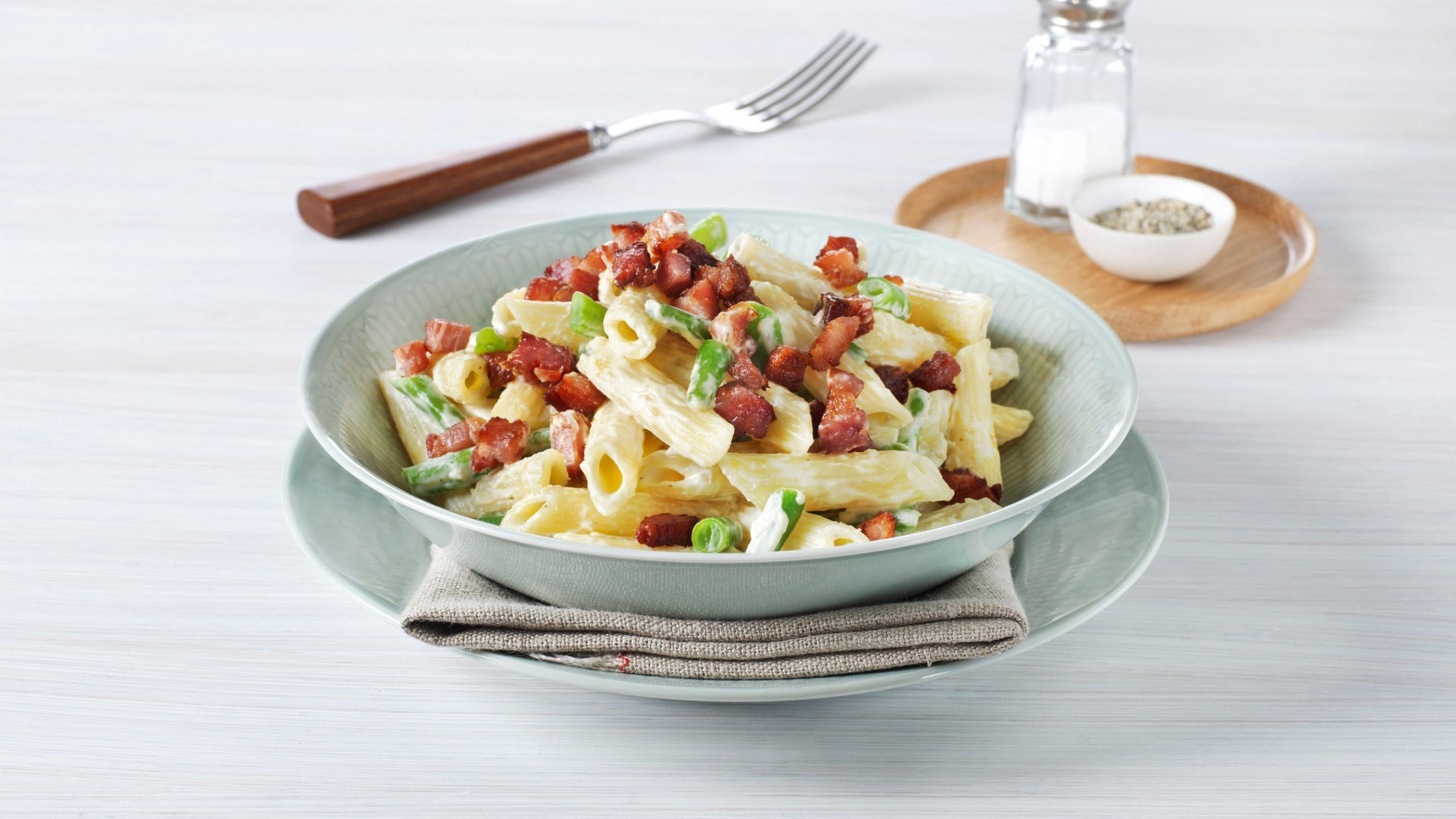 Pasta med bacon og kremost