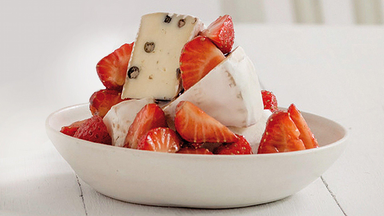 Fryd Brie pepper og jordbær