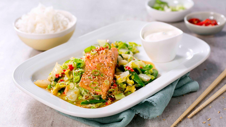 Stekt ørret med soya og grønnsaker