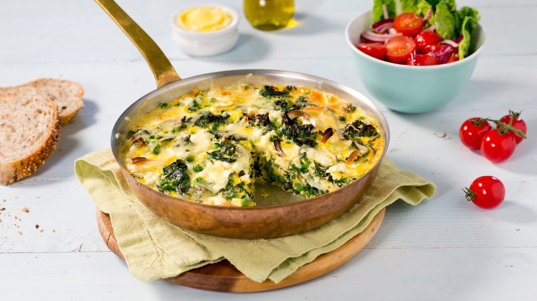 Ovnsbakt omelett med grønnkål og spinat