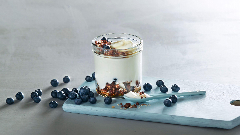 Naturell yoghurt med kakao og kokoskrønsj