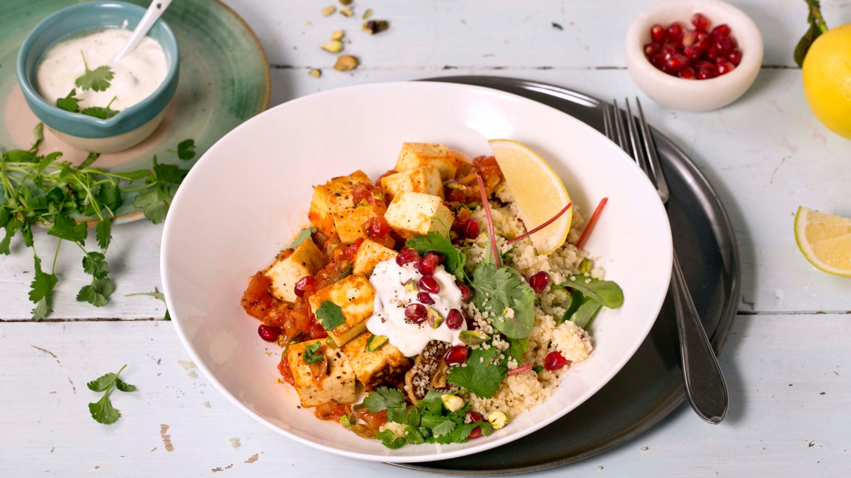 Paneer i spicy tomatsaus med couscous