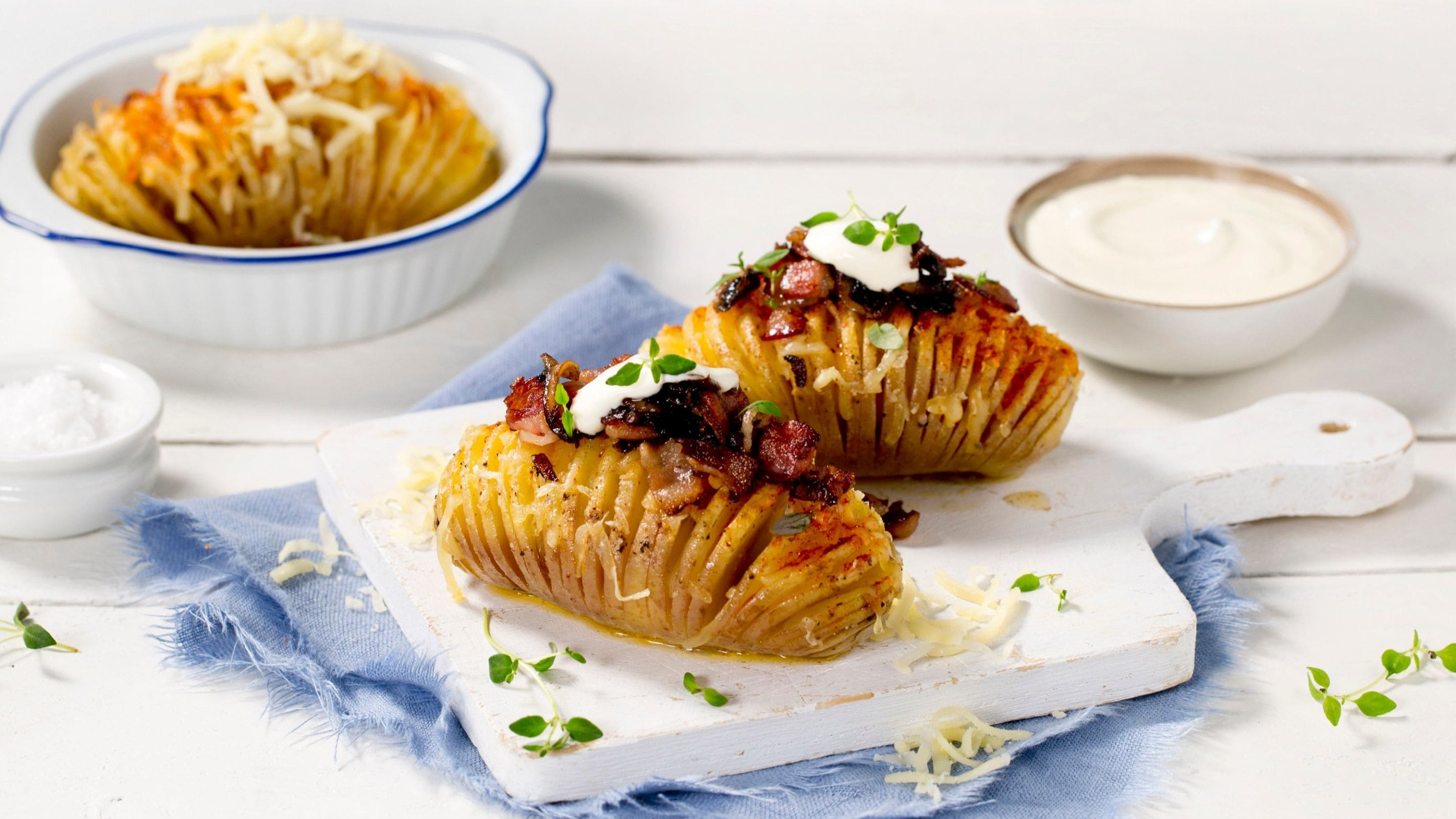 Hasselbackpotet med ost, bacon og sopp