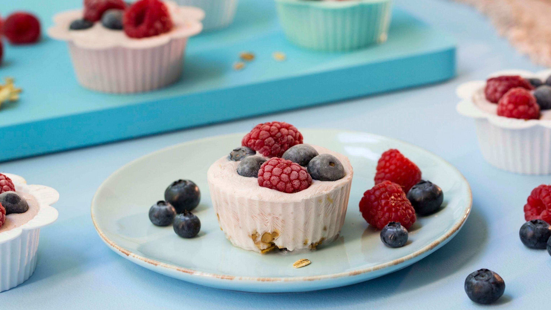 Frozen yoghurt muffin