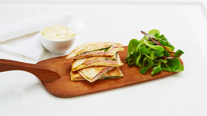 Quesadilla med Ridderost og skinke