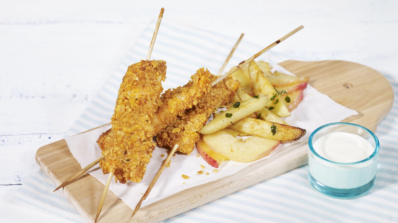 Cornflakes-pinner med potetbåter og stekte epleskiver