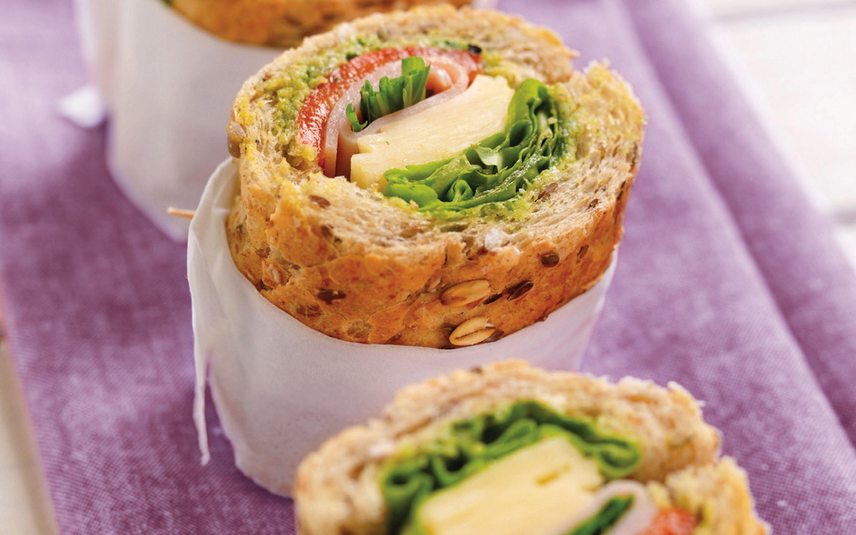 Grov sandwich med kylling og urter