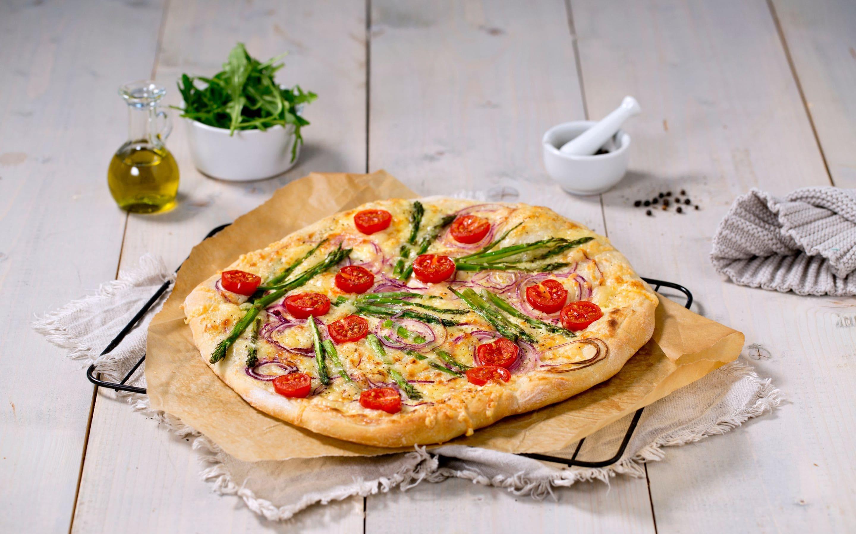 Grillet hvit pizza