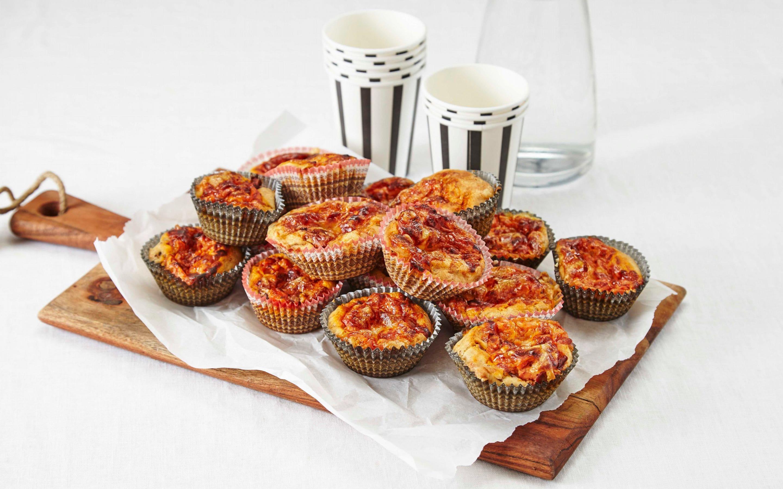 Lun muffins med ost og løk