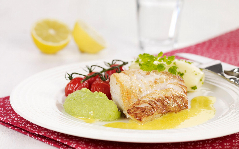 Stekt torsk med ertepuré og sitronsmør