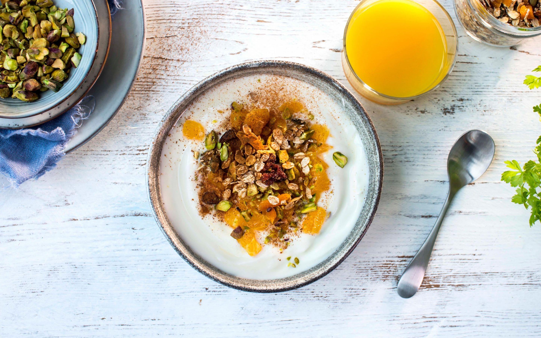 Yoghurt med appelsin og müsli