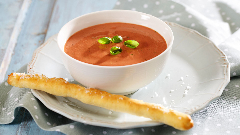tomatsuppe fra bunnen oppskrift
