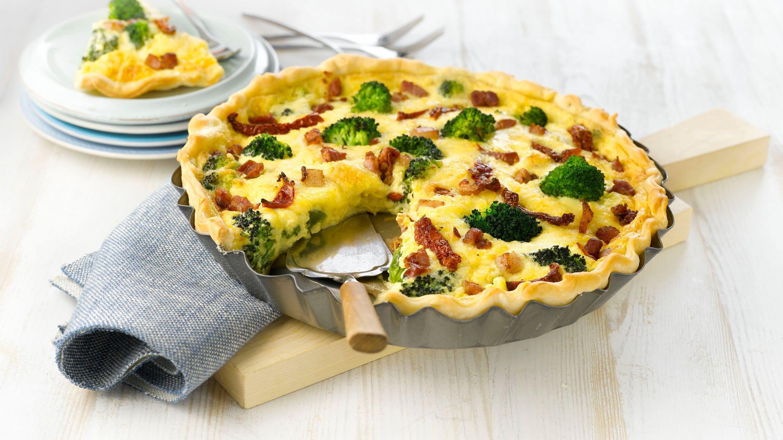 pai med laks og brokkoli