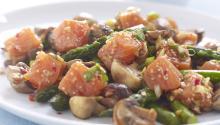 Oppskrift på Marinert SALMA med aspargessalat
