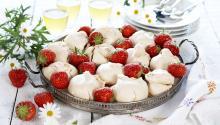 Oppskrift på jordbærmarengs