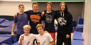 Øverst fra venstre: Johan Berg, Lars Oftedal Bjørum , Felix Stridsberg Usterud, Aleksander AurdalNede fra venstre: Sivert og Edvard Lund
