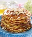 amerikanske-pannekaker-med-honning-og-mandler